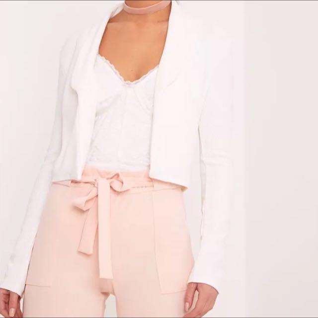 🎀 Pretty Little Thing White Crop Blazer Size 4