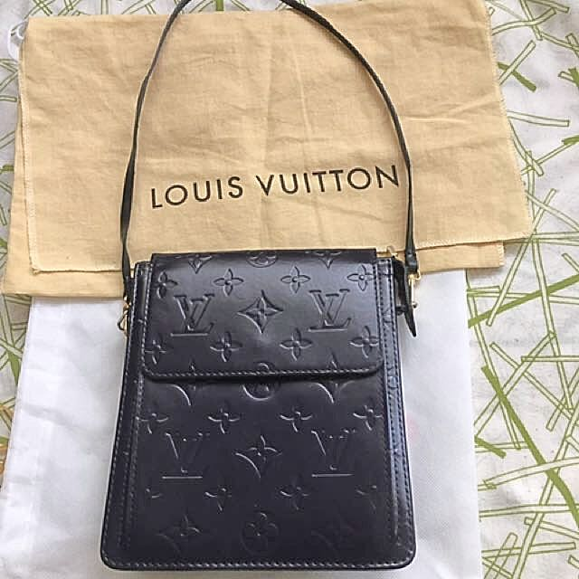 Authentic LV (Luois Vuitton) Vernis Mott Bag