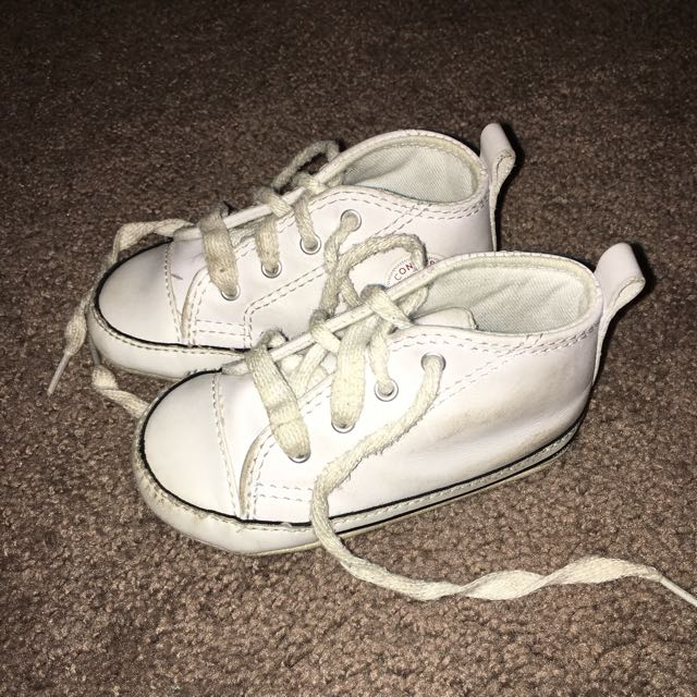 BABY WHITE CONVERSE HIGH TOPS