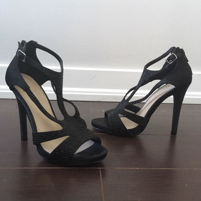 Black heels size 5