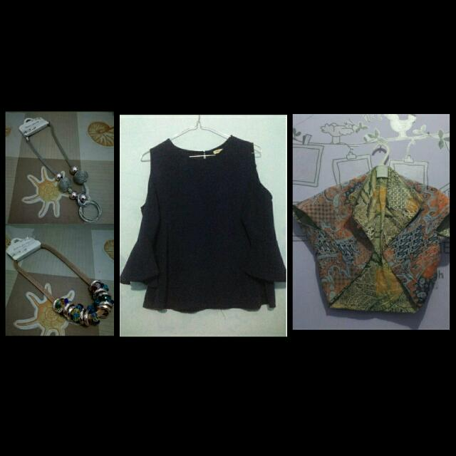 Blouse With Accessories