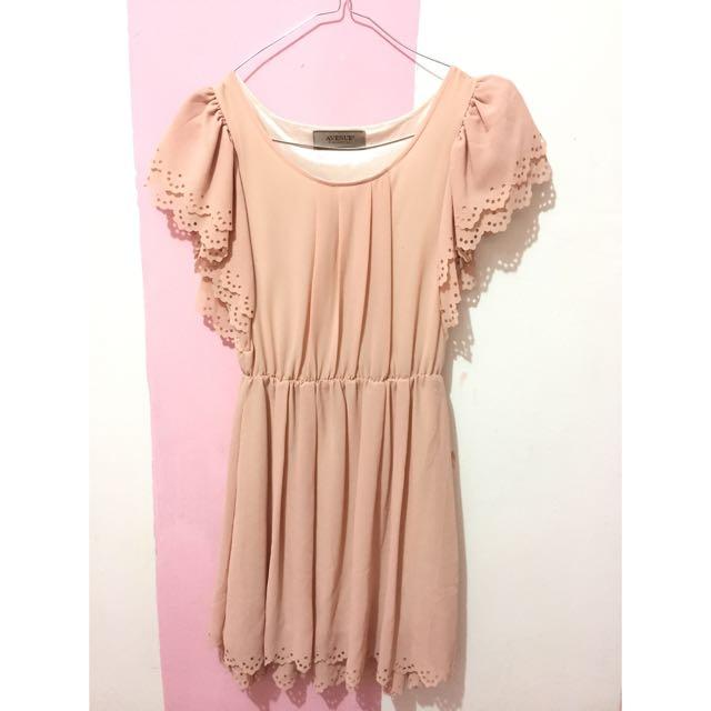 Dress: Avenue