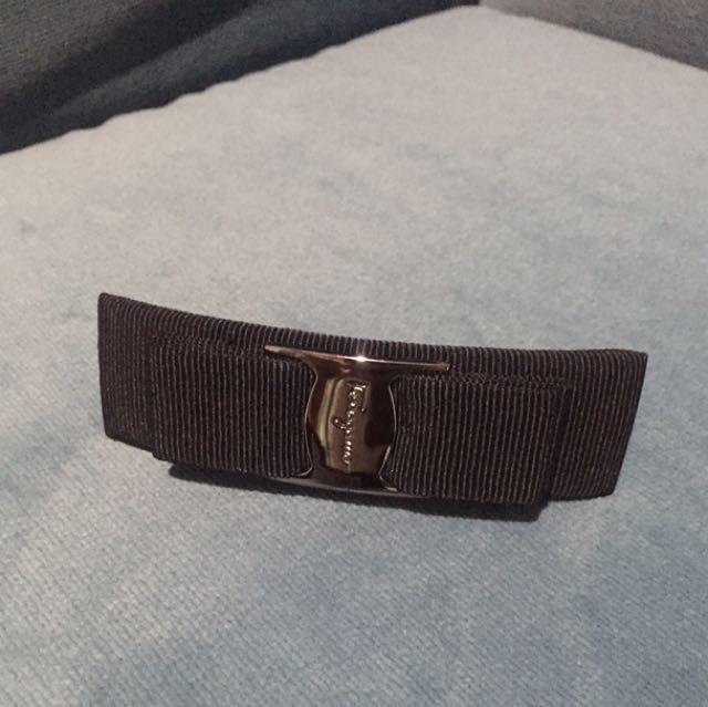 Ferragamo 高級精品黑色髮夾(附盒子)