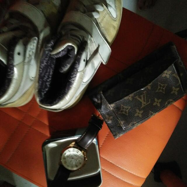 free lv wallet and shoes. orig. fossil unisex