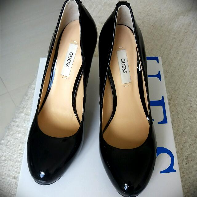catch buy sale half price GUESS black patent leather pumps NEW