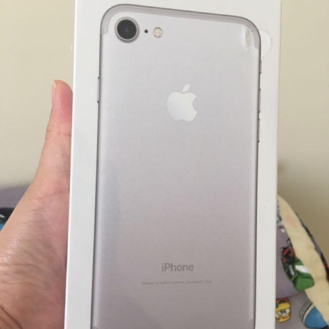 Iphone 7 Silver 128 Gb SEGEL Garansi Resmi (Kado)
