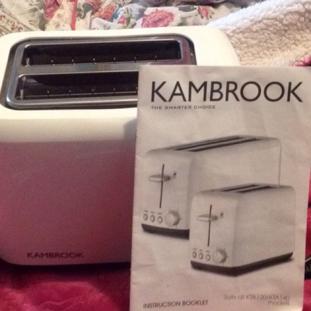 KAMBROOK AS NEW TOASTER WITH BOOKLET