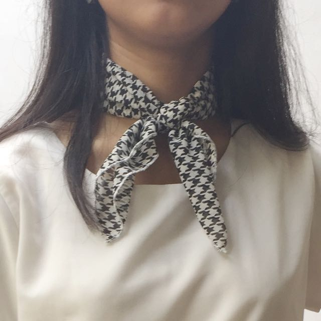 [NEW] Houndstooth Neck Scarf