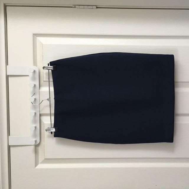 Piper Size 6 Navy Scuba Material Skirt