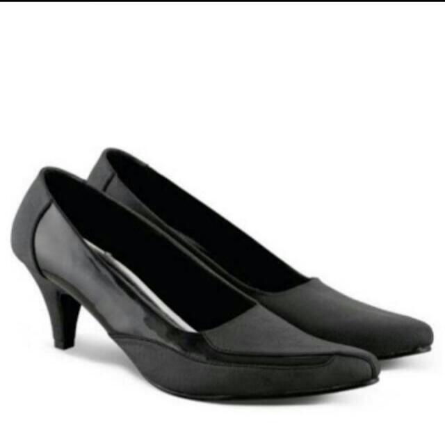 Sepatu Azzura Size 37