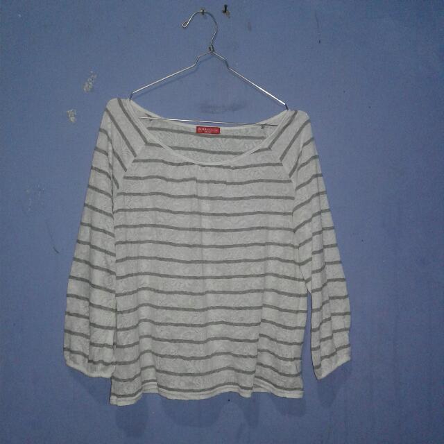 stripes brukat putih lucu
