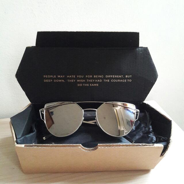 Sun Glasses (Kacamata)