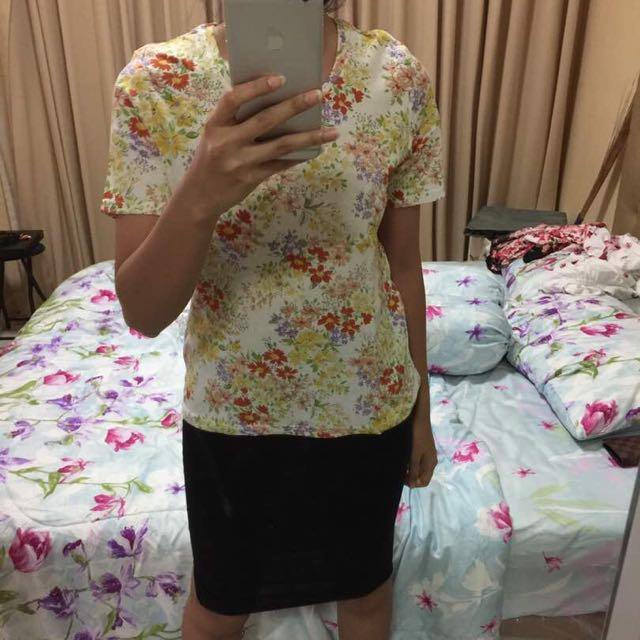 white flower t shirt
