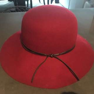 H&M Red Hat