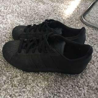 Adidas Superstars: Full Black