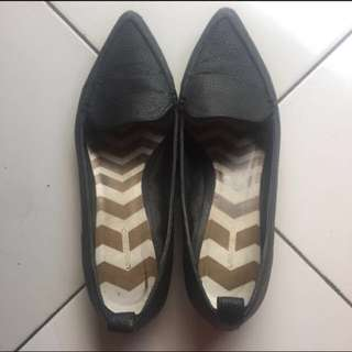 (Repriced) Urban & Co Flat Shoes sz 36 (23,5cm)