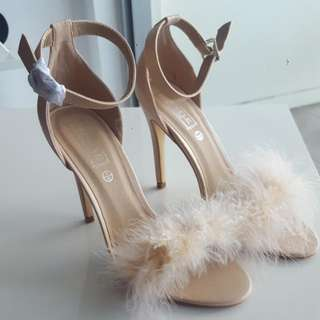 Nude Fluffy Heels Size 9 MUST GO!