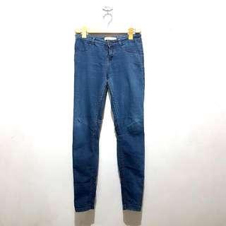 Preloved Bershka Semi Skinny Jeans