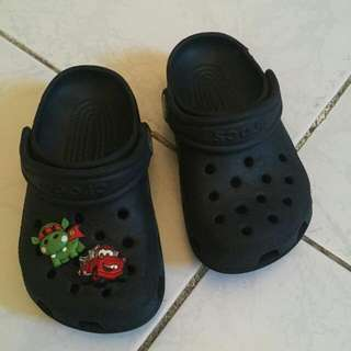 Crocs Black With 2 Pins