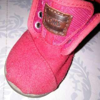 *repriced*Authentic Toms.in Good Used Condition & Seldom Used..no Damage..size T6.not Faded.. Red Color..
