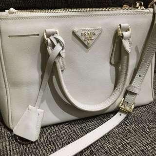 Jual Tas Kulit Asli import Impor Handbag Leather Bag Prada Saffiano Mini Mirror Quality Size 25 Kualitas Premium Warna Cream