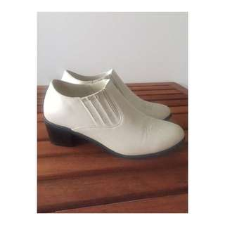 Cream Ankle Booties | Size 8