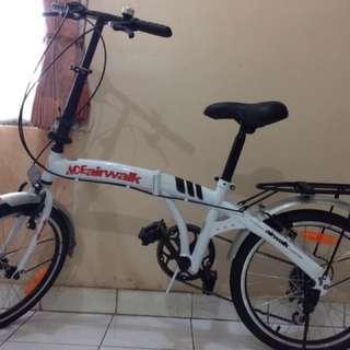 Sepeda Lipat Warna Putih