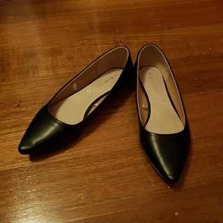 Size 9 Ballet Flats