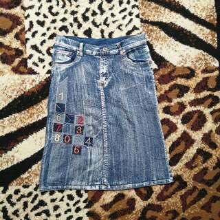 Rok Jeans Brand Sing
