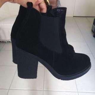Black Chunky Heel Boots