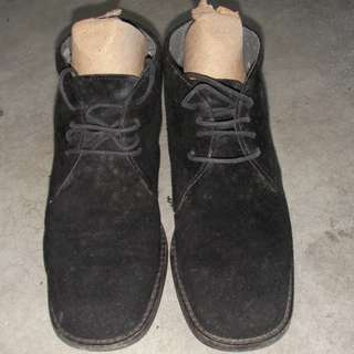 Esprit Suede leather short boots, black, size 35-1/2, heel about one inch, made in Italy