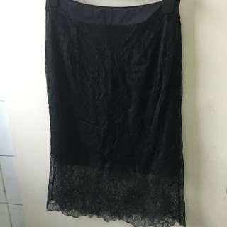 Oysho Black Lace Mini/midi Skirt With Underlay