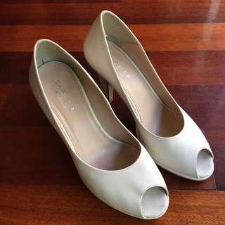 Kurt Geiger Cream Leather Peep-Toe Heels Size 37