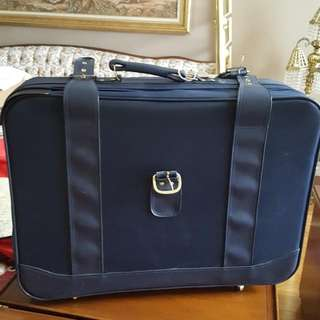 Luggage REDUCED To 40.00 Set