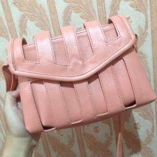 Sling Bag Cagey Peach