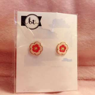 花 花朵 耳環 Flower Earrings 兩色 two colors 潮流 Korean fashion Style Trendy Korea 多款 Cute Cutie lovely Colorful 彩色 韓國 flowers 時尚