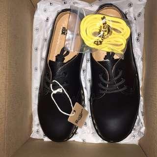 馬汀 馬丁 Dr. Martens 1461 三孔 皮鞋 皮靴 學院風