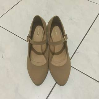 Bee Bob Wedges Shoes Size 38
