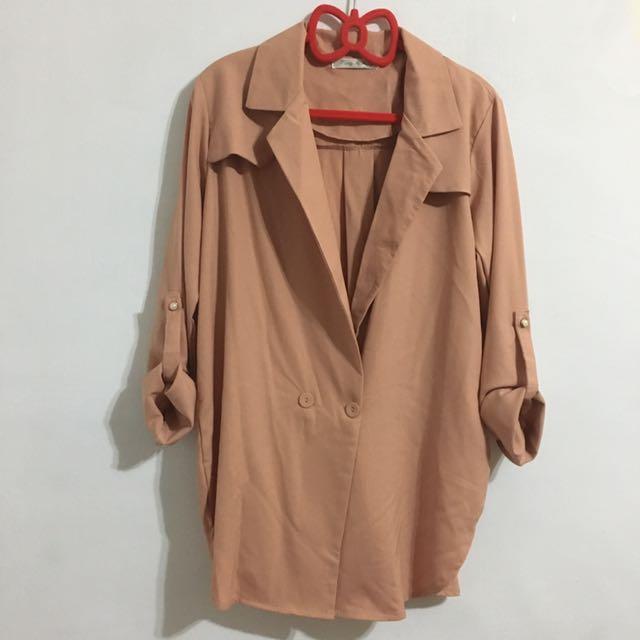 翻領西裝式 寬鬆感開衩外套罩衫