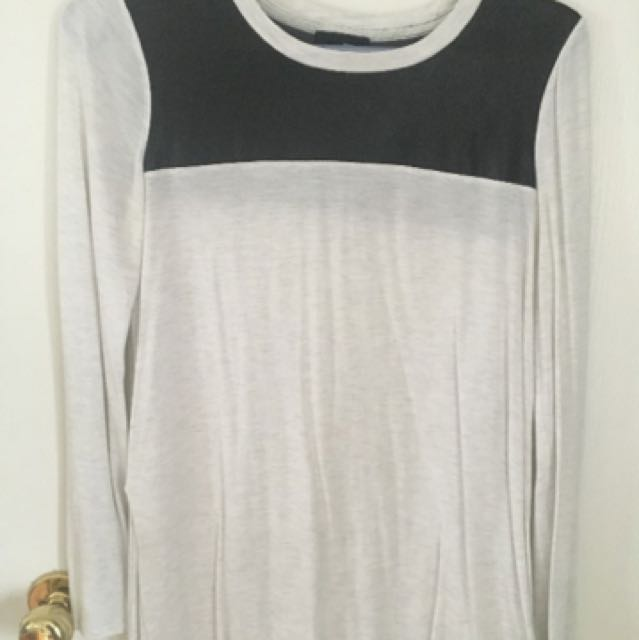 Aritzia wilfred Free Long Sleeve Tee With Leather Inset