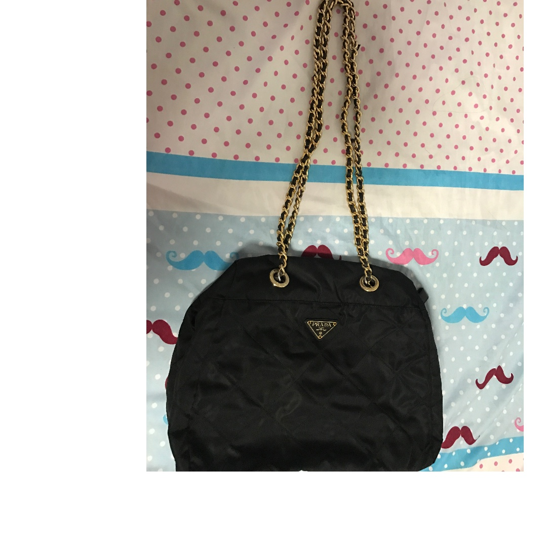 78391a8e85 Authentic Prada Quilted Chain Shoulder Bag