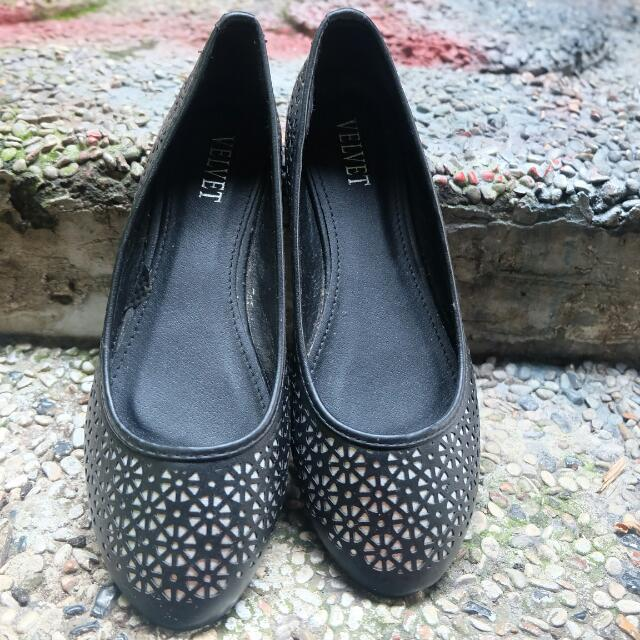 Balck Daisy Shoes