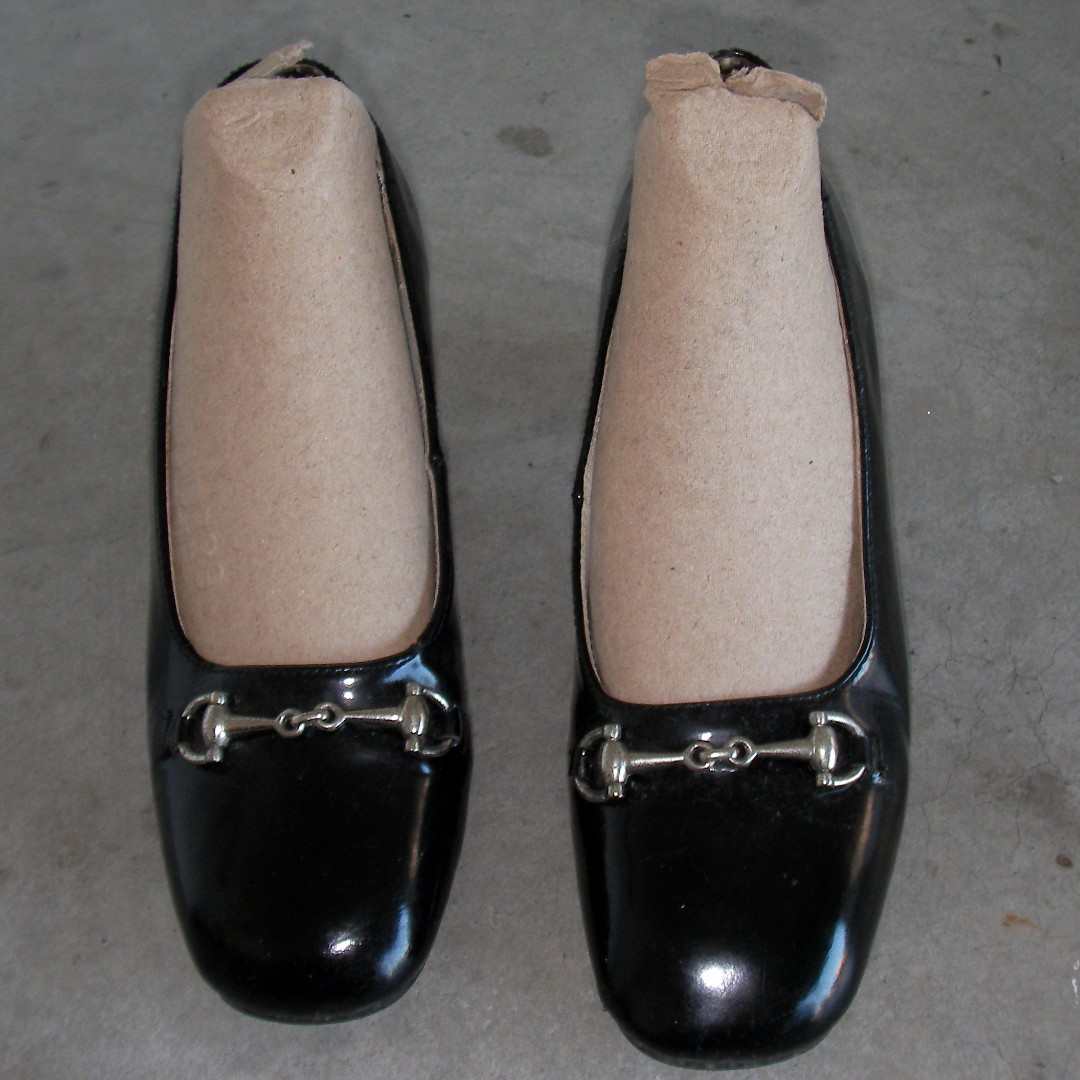 black heels real leather shoes with decor on head as photos, made in ITALY, size 35, inlay about 22.5cm long, heel 2-1/3 high