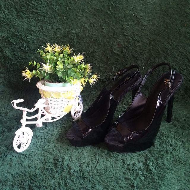 Black Mango High Heels Shoes Sepatu Mng