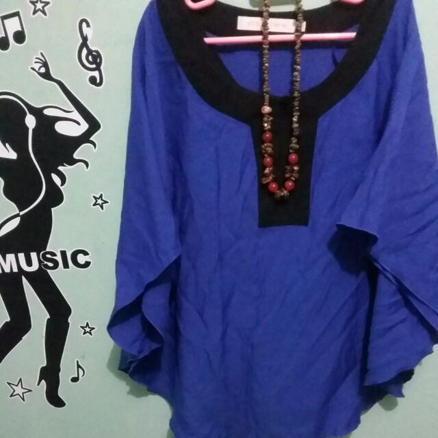 Blue Batwing Blouse Atmosphere
