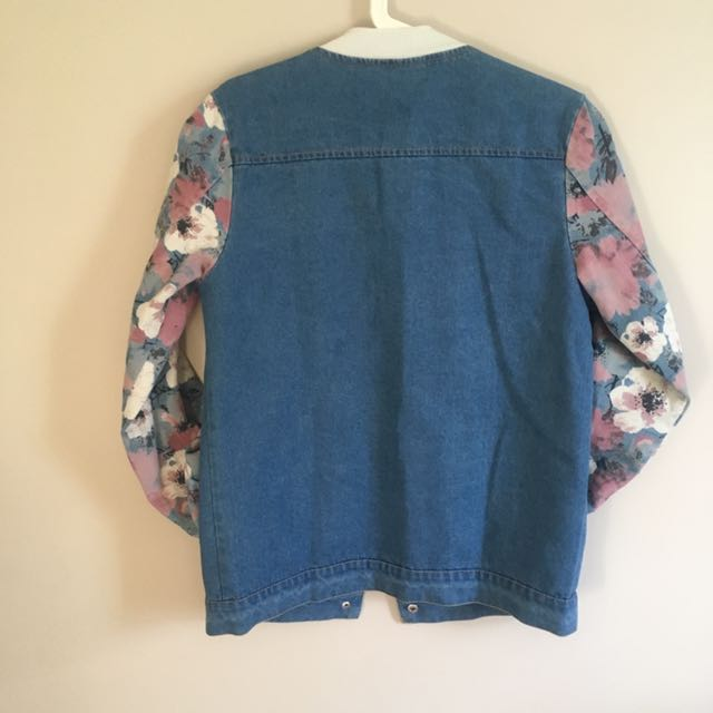 BLUE Denim Top With Floral Printed Sleeves