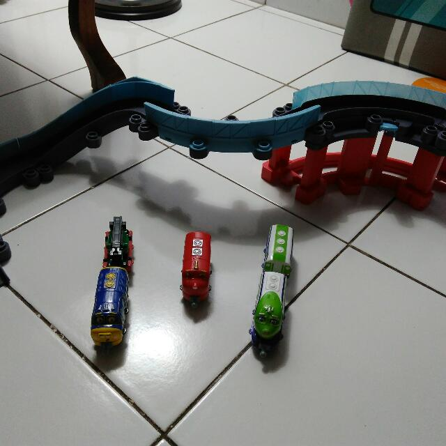 Chuggington Roller Tracks With Diecasts