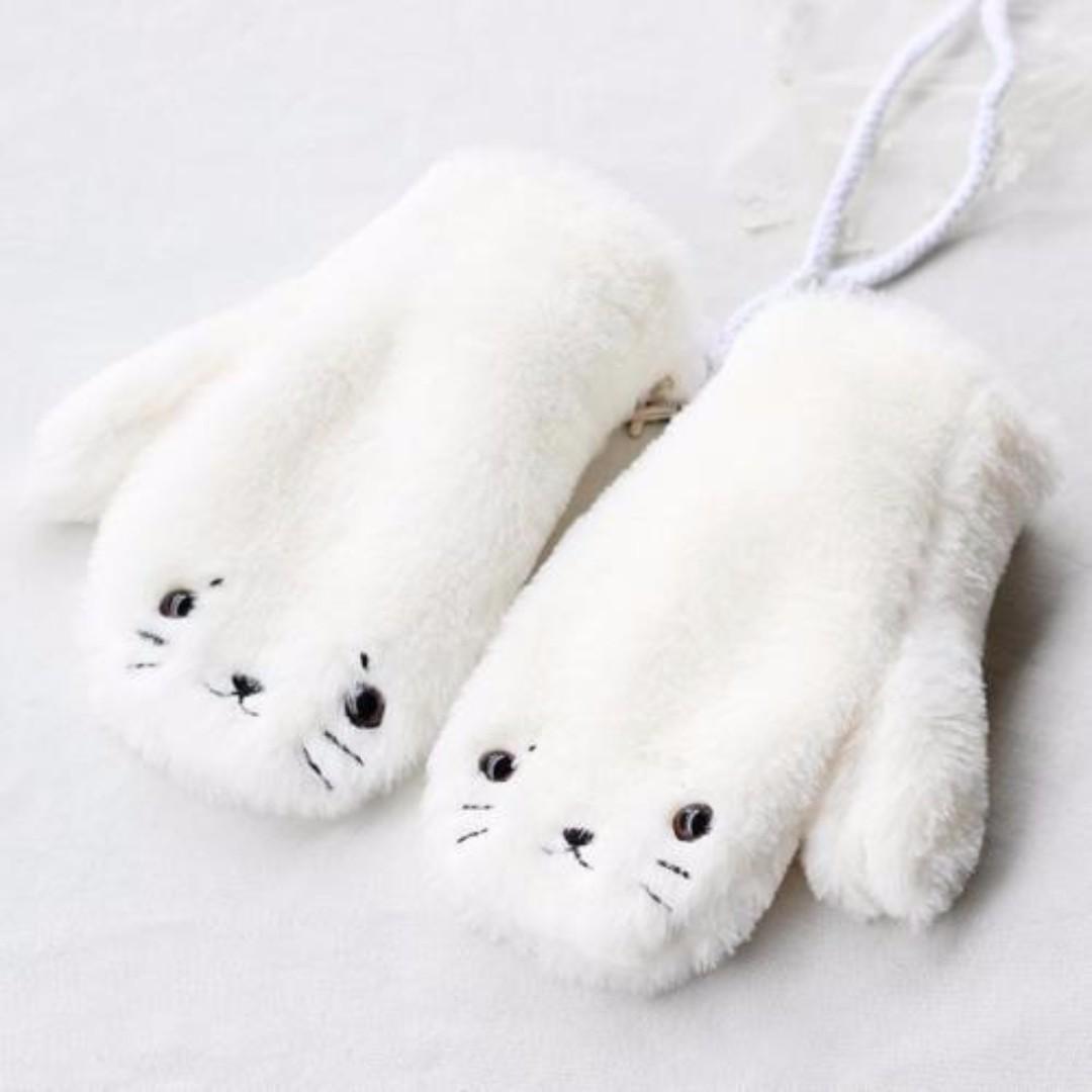 Cute White Seal Face Plush Mittens/Gloves