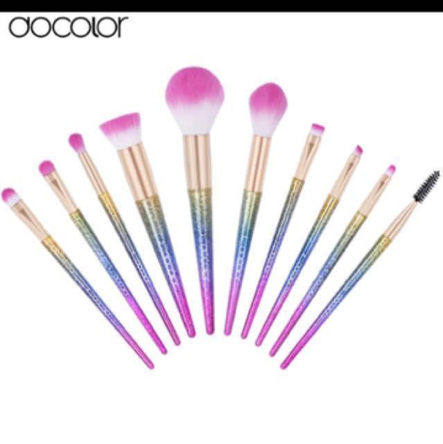 Deluxe rainbow 10 pc makeup brush set