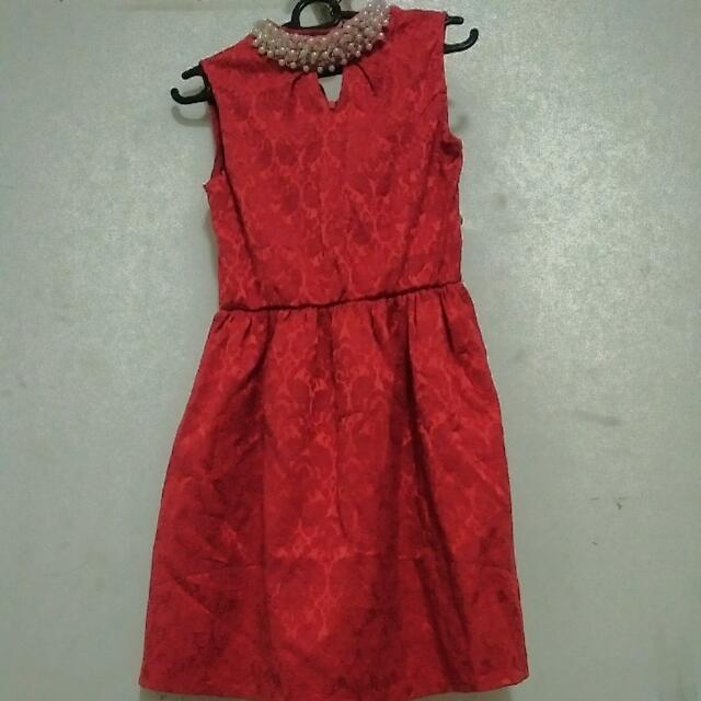 Dreess Merah